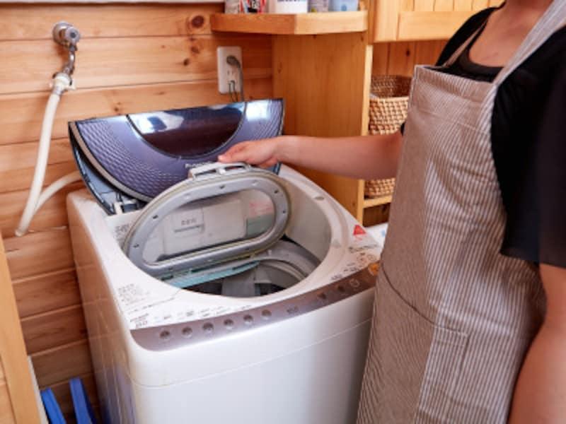 洗濯機の掃除:洗濯槽クリーナーを用いた洗濯槽の掃除は、自己流ではなく、説明書をよく読んでその通りにやりましょう