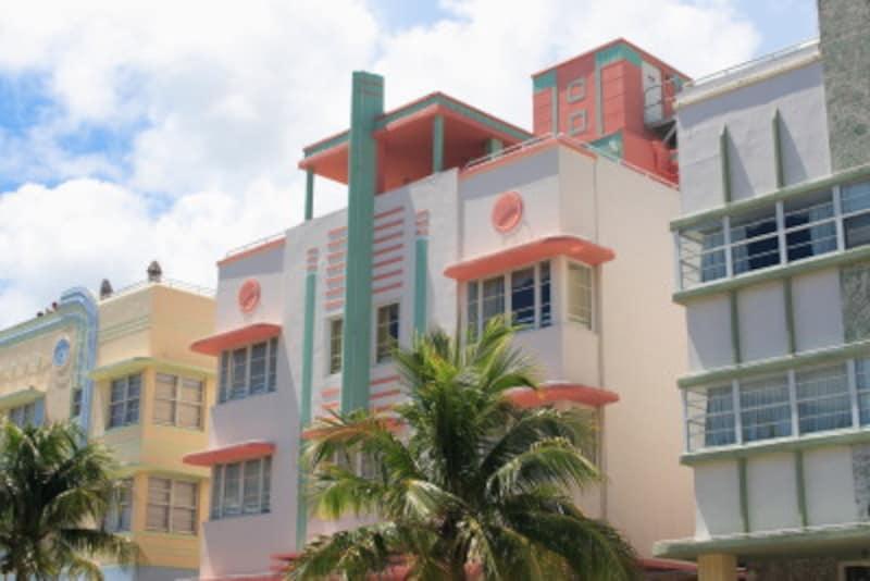 マイアミビーチには、アールデコ様式の建物がずらり