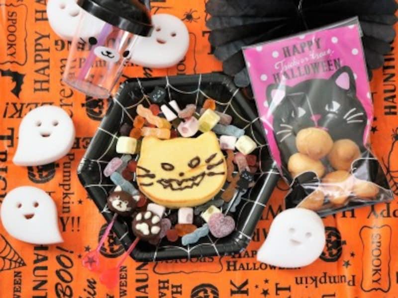 ハロウィンパーティーのスイーツは黒猫のパンケーキとチョコレート。