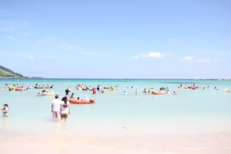 海がキレイな海水浴場もいくつかあり、夏は海岸が賑わいます