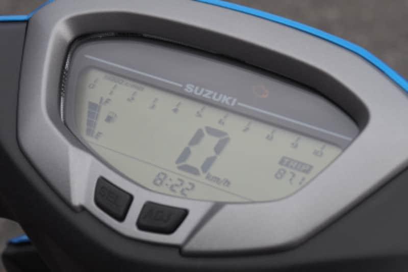 スイッシュのメーターは視認性に優れたフルデジタルタイプ