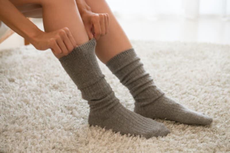 靴下の簡単きれいなたたみ方や、収納におすすめのグッズをご紹介します