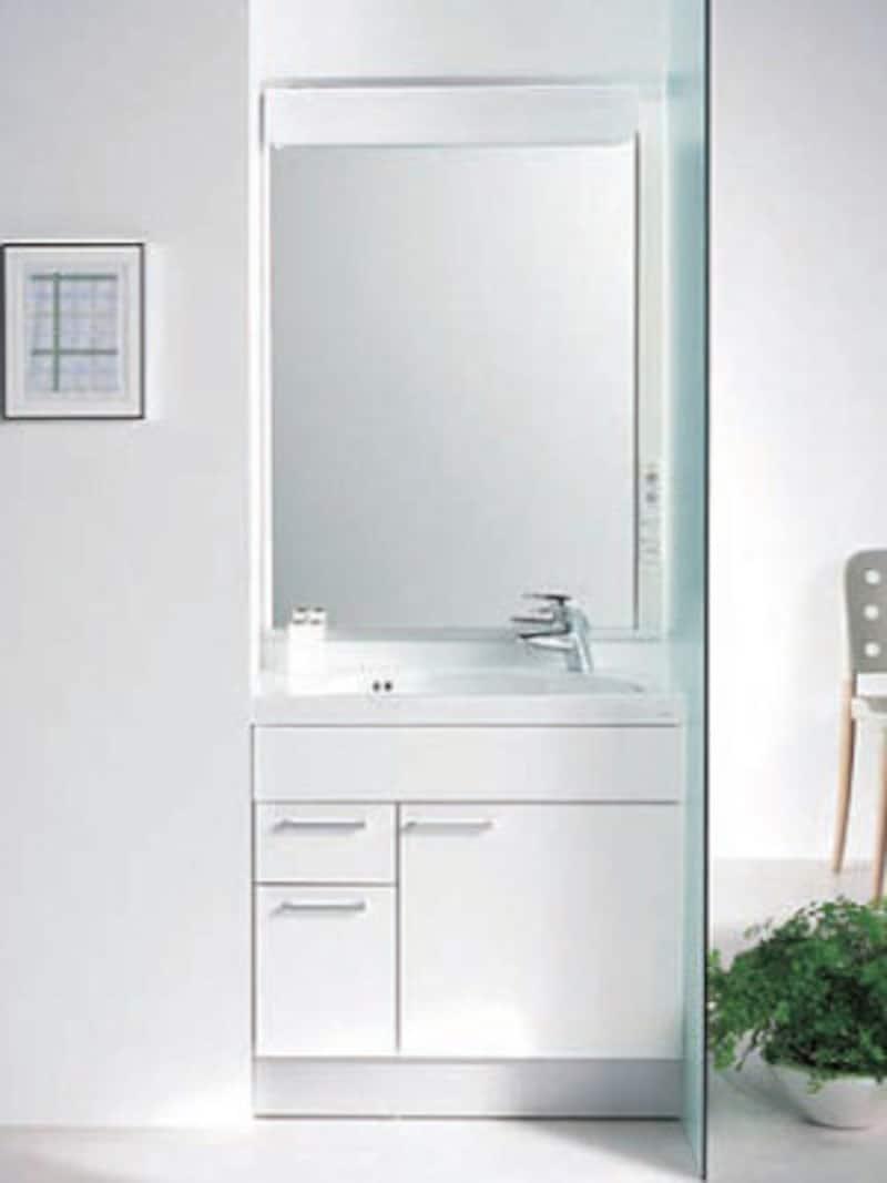 奥行き40センチのコンパクトな洗面化粧台。間口サイズは、750、900、1000、1200ミリが揃う。[スリムシリーズ] TOTO https://jp.toto.com/