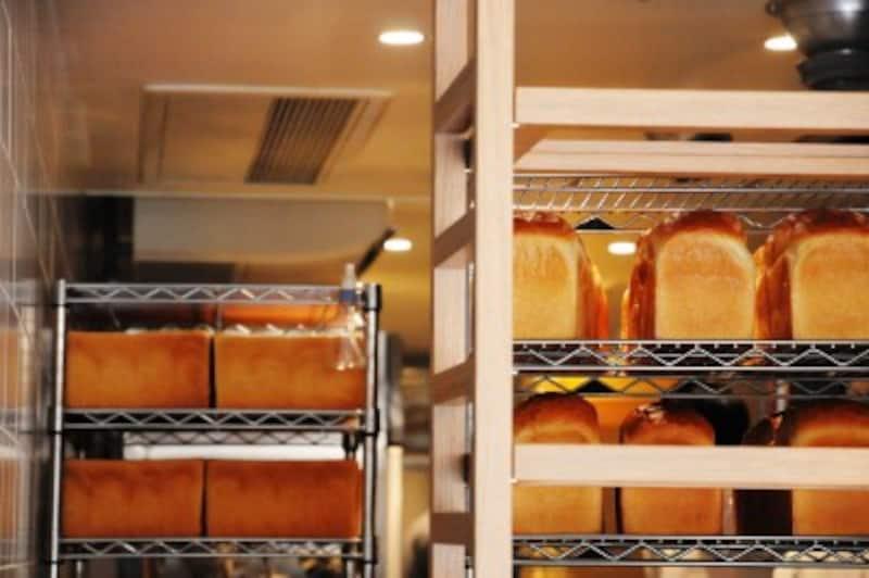 国産小麦の角食パンをはじめ、3種類を製造販売