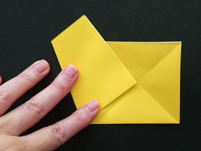 折り紙1枚で作る星!折り方・切り方
