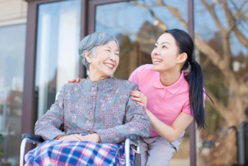何もかも抱え込まないで。親の介護も外部の人にお願いすれば、自分の時間が持てるのです