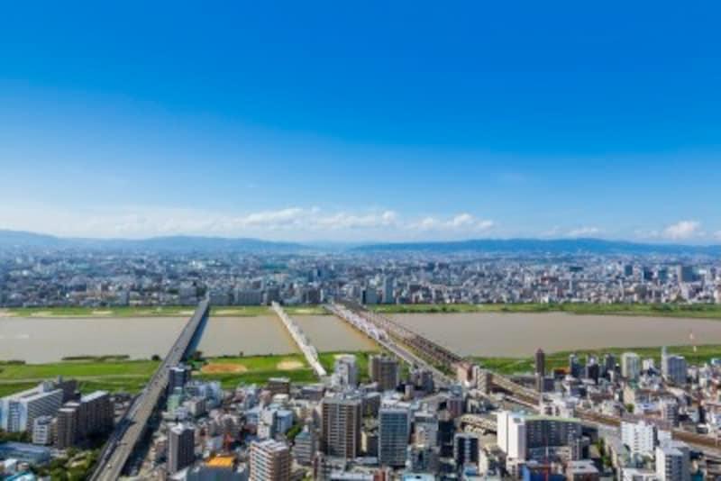 梅田スカイビルから見た大阪の街並みと淀川