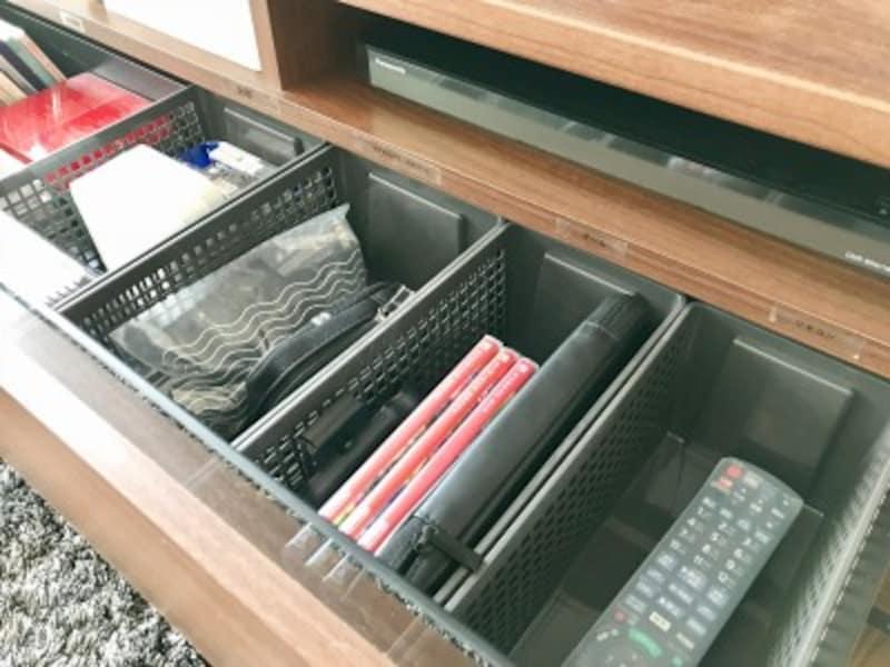 TVボード内の収納例