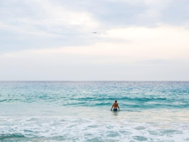 夏の自然・植物をイメージする男の子の名前は、涼、漣、太陽や海に関する漢字が人気