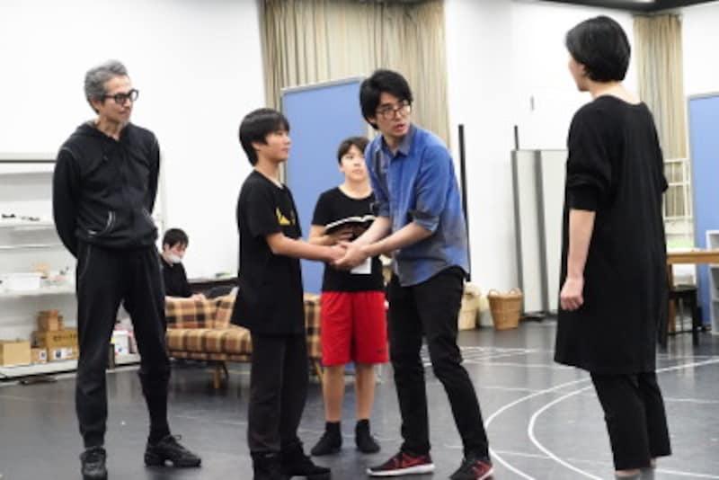 『オン・ユア・フィート!』稽古より。写真提供:東宝演劇部
