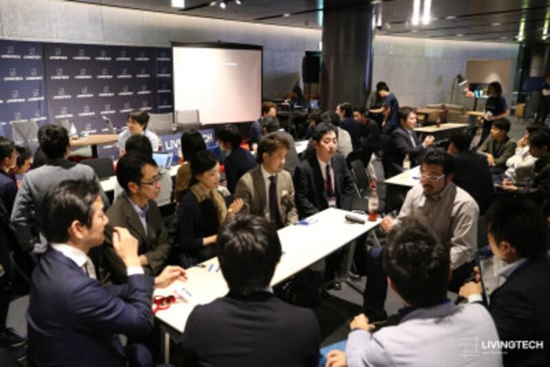 セッションの合間にも、登壇者と参加者が一体となって議論が繰り広げられた