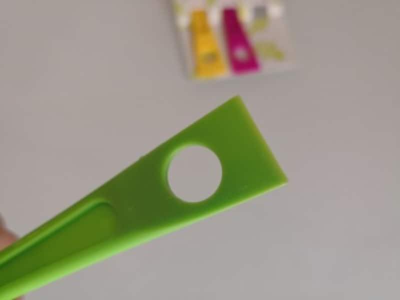 ダイソーのおすすめグッズ12:水筒の小さな穴も掃除できるブラシ