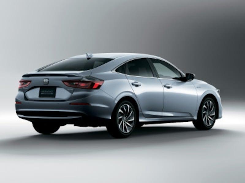 Honda(ホンダ)新型「INSIGHT(インサイト)」3スタイリング(ルナシルバー・メタリック)