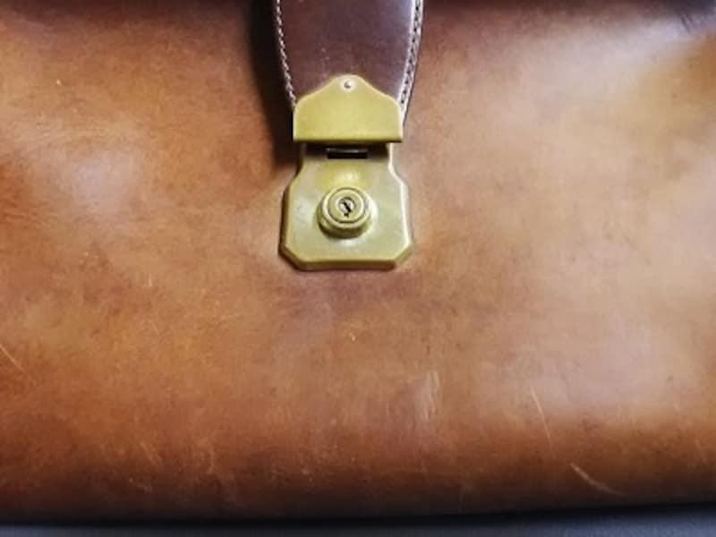 実際にドイツでゴワゴワになってしまった鞄
