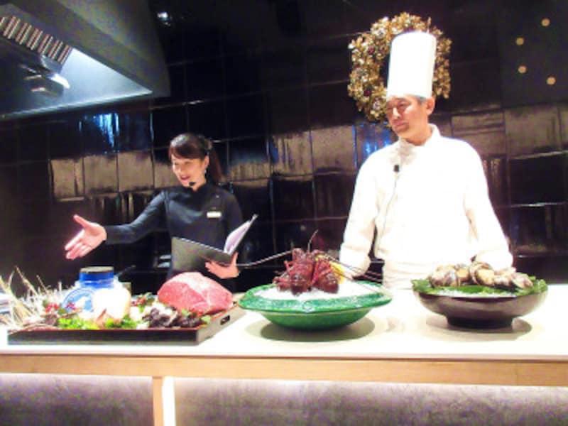 KIKKOMANLIVEKITCHENTOKYO(キッコーマンライブキッチン東京)ライブキッチンでは、ずらりと並ぶ豪華食材の説明のあとにシェフによる実演が行われる