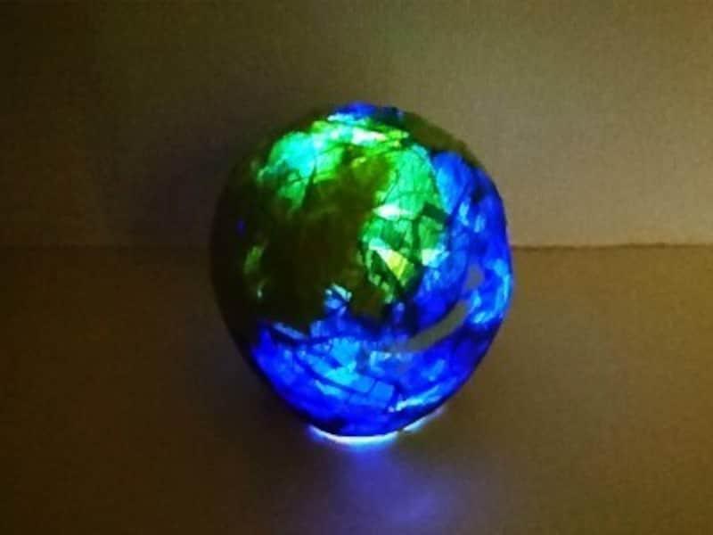 冬休み工作・製作貼って手作り!地球儀ランプシェード