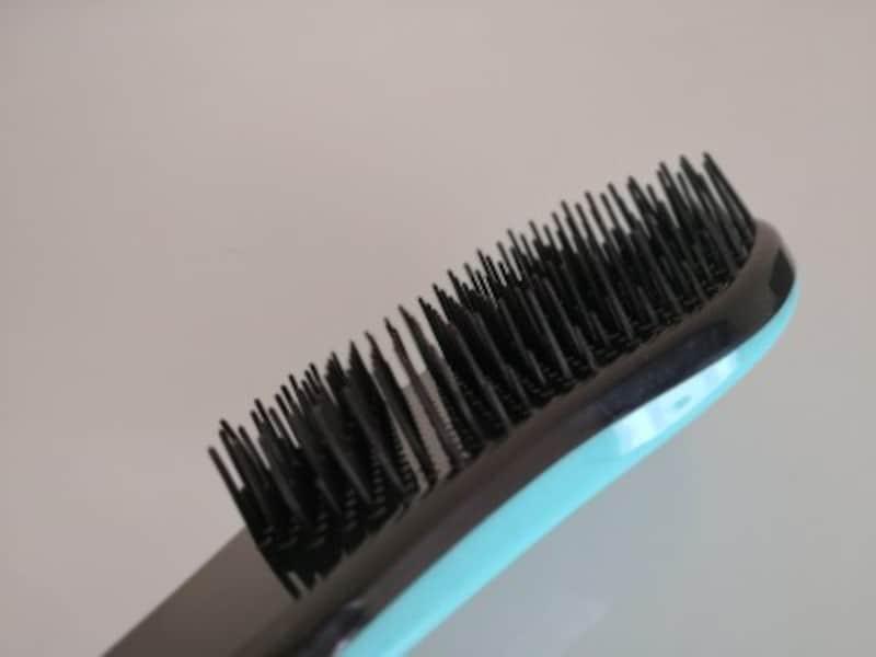 キャンドゥおすすめ商品15:髪が絡まりづらいヘアブラシ