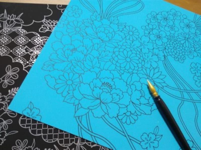 花や蝶が描かれた美しい絵が描かれています