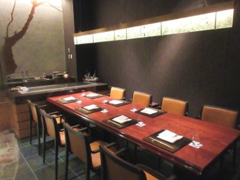 TOKYOKAIKAN會向かい合わせテーブルの個室