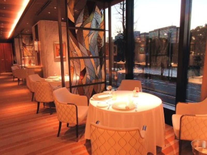 レストランプルニエ窓際の席