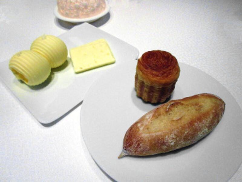 レストランプルニエパンとバター
