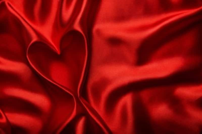 好きな色で診断!恋愛の傾向と対策:赤が好きな人