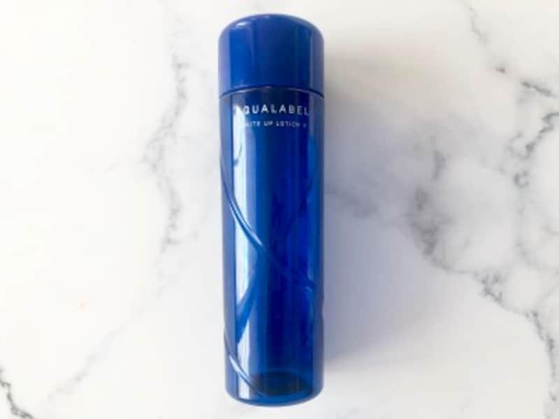 DSで手に入る美白化粧水の種類は膨大。そんな中ぜひ試して欲しいのは、ロングセラー&ベストセラー商品。