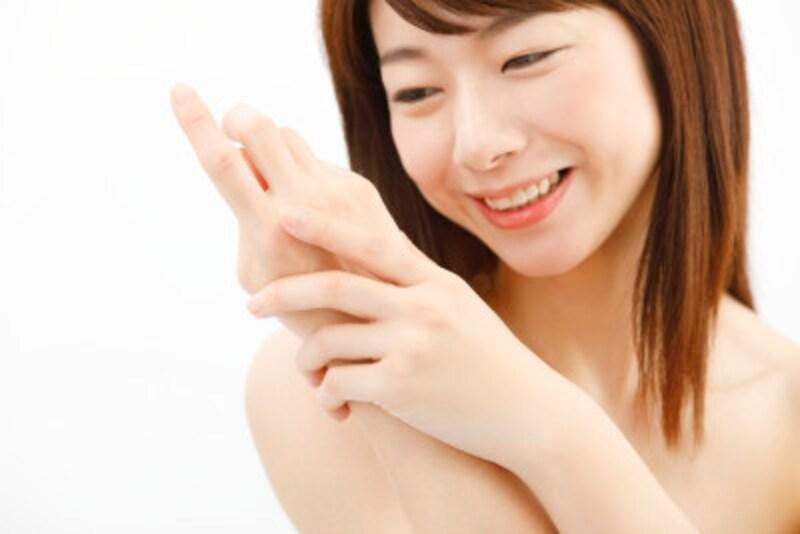 肌だけでなく、髪や爪にも栄養を与えてくれるコラーゲン