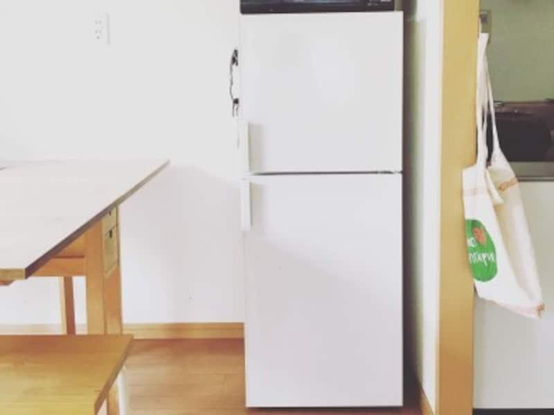 小さい冷蔵庫を使えば食費は抑えられる