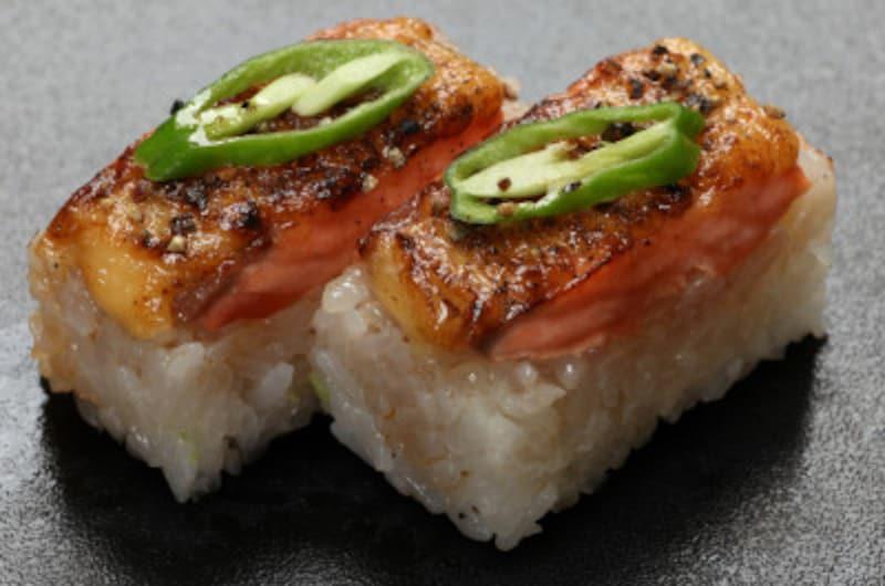 炙りサーモン押し寿司