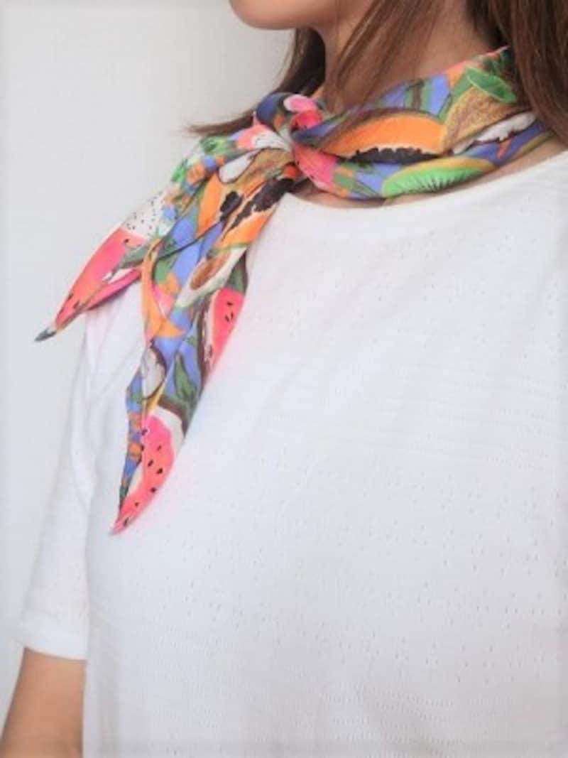 ZARAプリント柄スカーフ 1990円(税込)