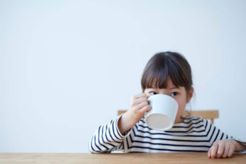 「白湯を飲み過ぎるとガンになる」というウワサの真偽は…?