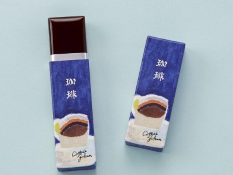 「とらや」の「小形羊羹『珈琲』」は、香り高いコロンビア産コーヒーと小豆の風味がマッチした、男性にも人気の品