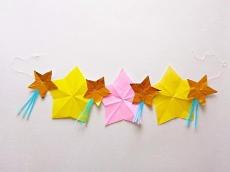 折り紙1枚を星型に切り、七夕飾り「星つづり」を製作・工作・手作り