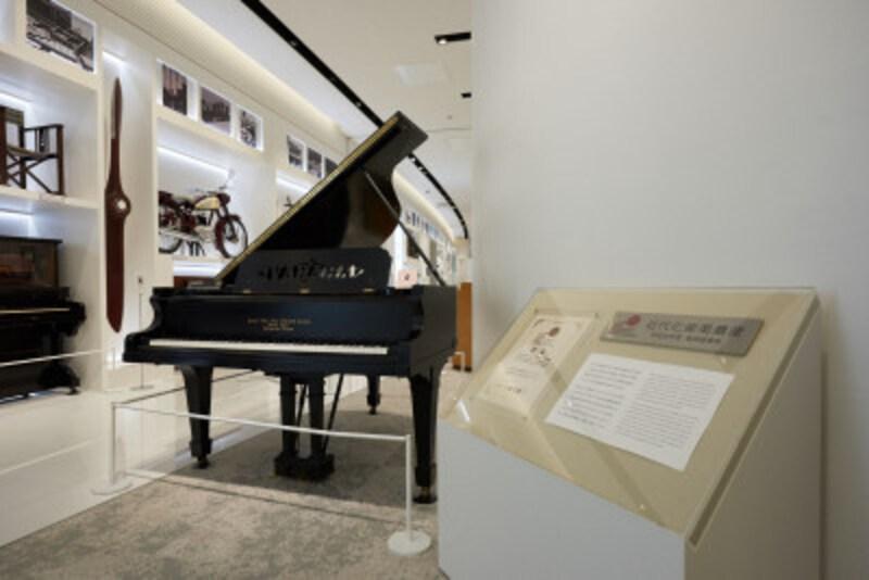 初期型グランドピアノ