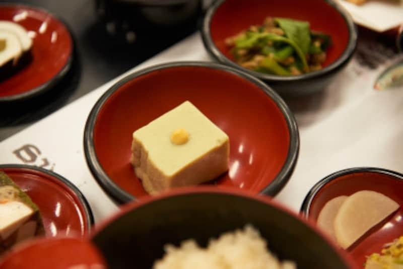 抹茶胡麻豆腐