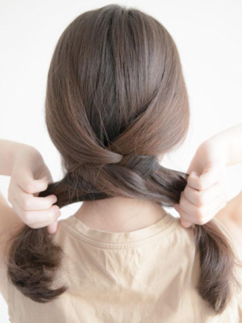 海やプールの髪型:フィッシュボーンの作り方 編み目が、たるまないように気をつけましょう