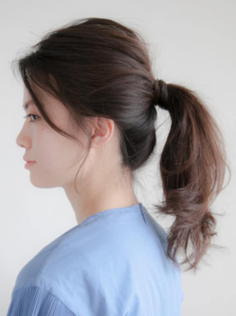 プールや海の髪型・ヘアアレンジ5:ポニーテール
