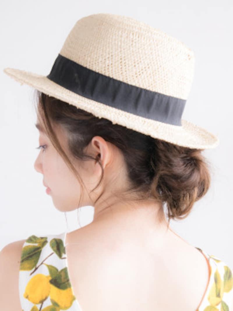 プールや海の髪型・ヘアアレンジ6:麦わら帽子