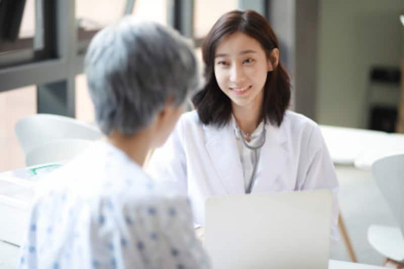皮膚の病気が原因の白髪であれば、病院で治療できます