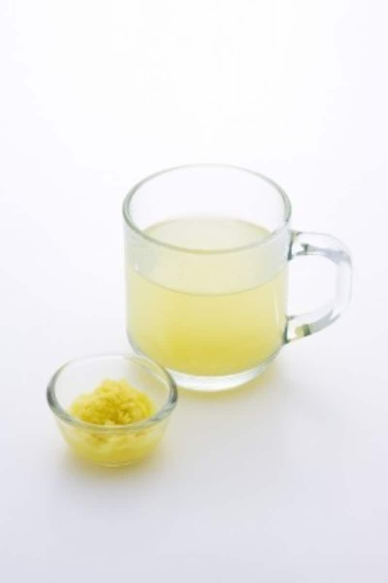 生姜を加えたアレンジ白湯でポカポカに(画像出典:白湯が凄い!美容・健康&ダイエット効果と正しい飲み方)