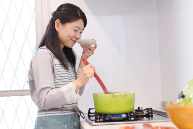 お悩み:男性から「料理はする?」と質問されると、モヤッとします