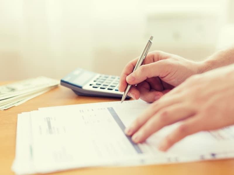 ギリギリの家計だが、お金を貯められますか?