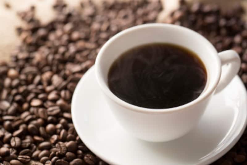 コーヒーの成分であるカフェインやポリフェノールには、どのような健康効果があるのでしょうか