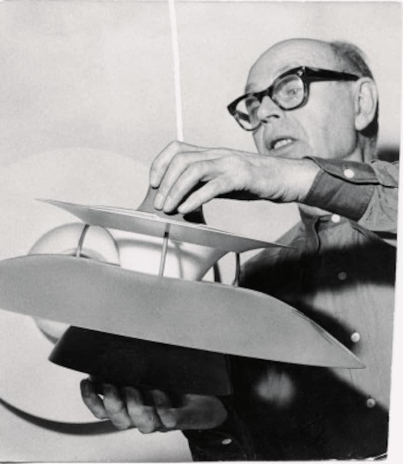 デザイナーのポール・ヘニングセンとPH5