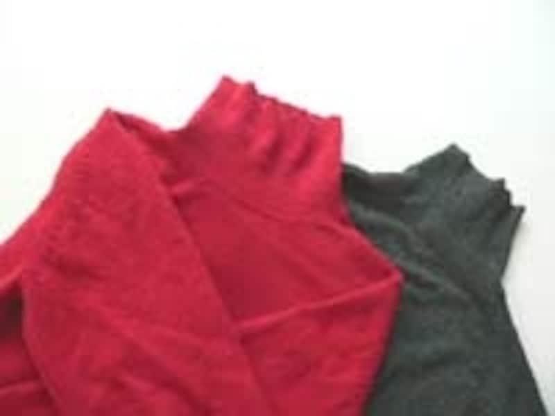 洗う前に目立たない部分で色落ちテスト(洗剤の原液をつけて5分置き白いタオル等を押し当てる)をし、とても色落ちしやすいようなら自宅クリーニングは避けた方が無難です。