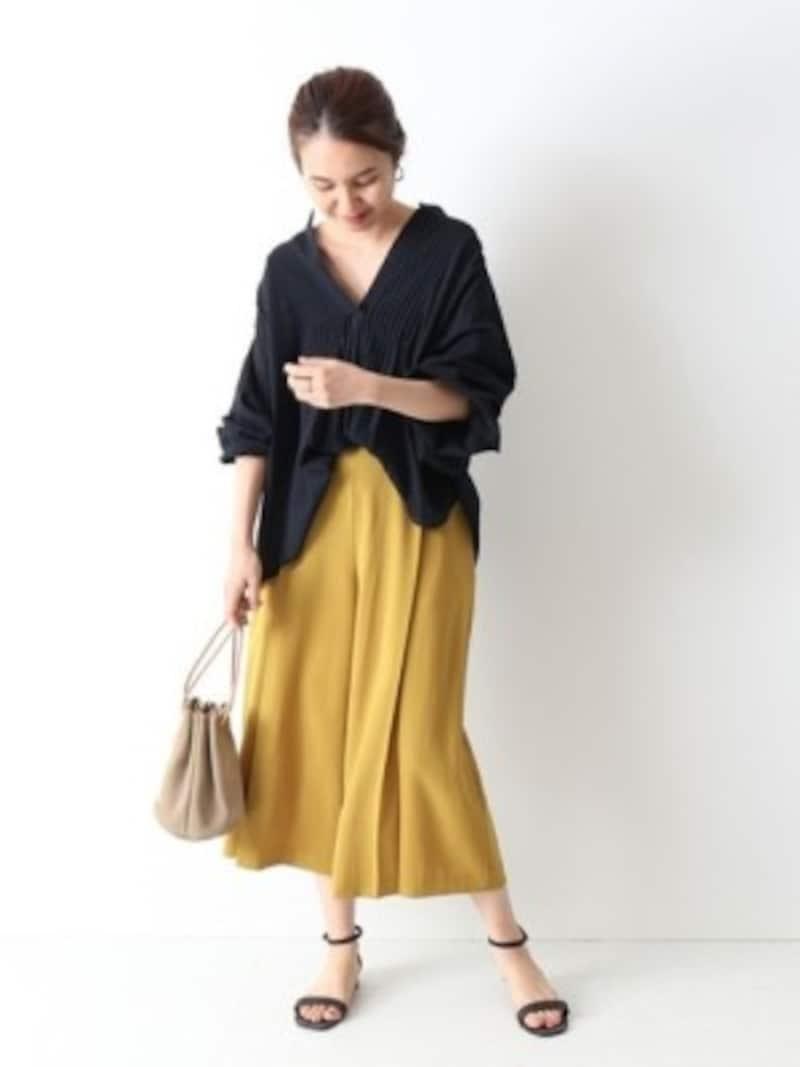 落ち感のきれいな長め丈スカートは万能に使える 出典:WEAR
