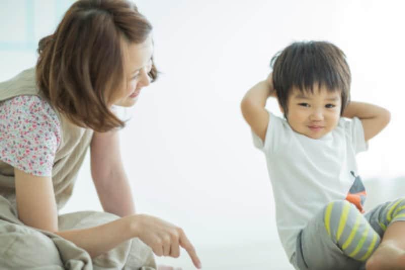 自己肯定感が育つか否かには、幼少期における親の接し方が大きく関係している