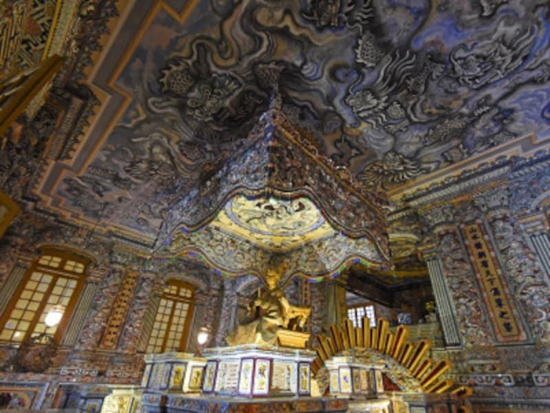 世界遺産「フエの建造物群」カイディン帝廟