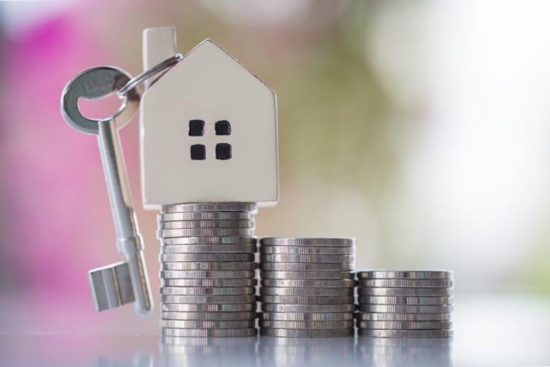 ひとり暮らしで住宅ローンも残っているため不安